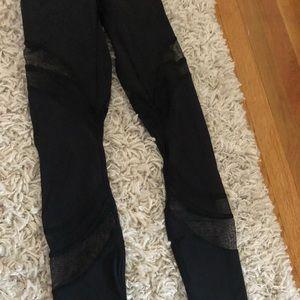 black mesh Lululemon leggings